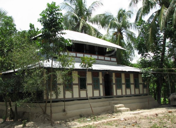 Village Tin Shed House Image in Bangladesh